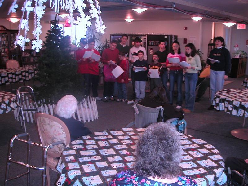 2002-12-14-GOYA-Christmas-Caroling_006.jpg
