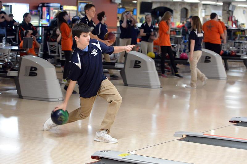 boys_bowling_9794.jpg