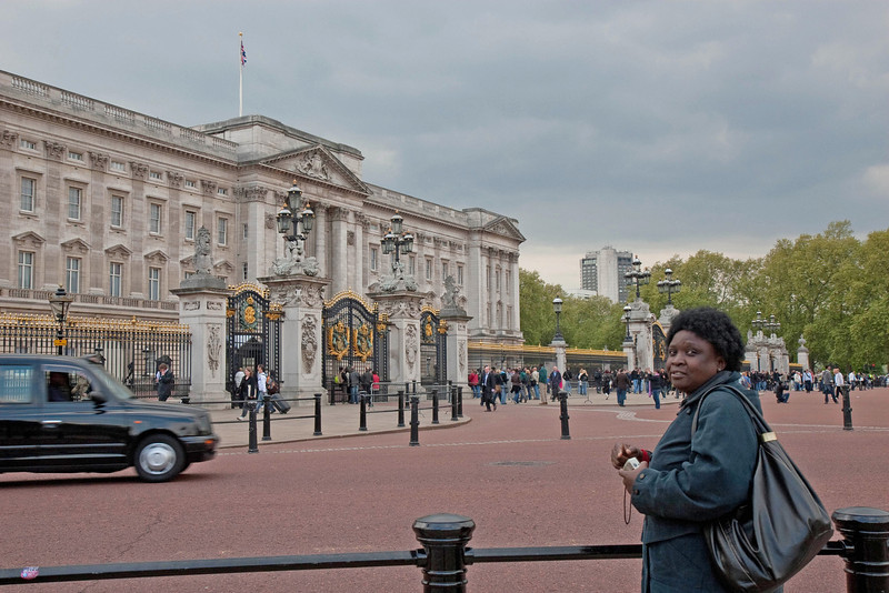Loyce viewing 'The Queen's House'