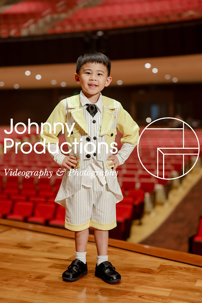 0010_day 1_yellow shield portraits_johnnyproductions.jpg