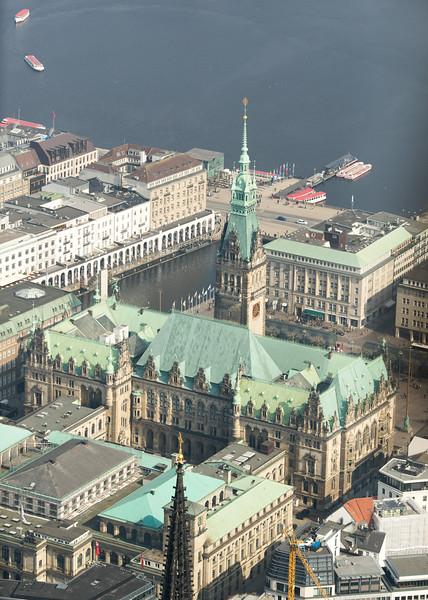 Luftbild Rathaus Hamburg und Binnenalster