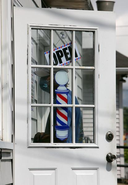 Barber shops open 090320