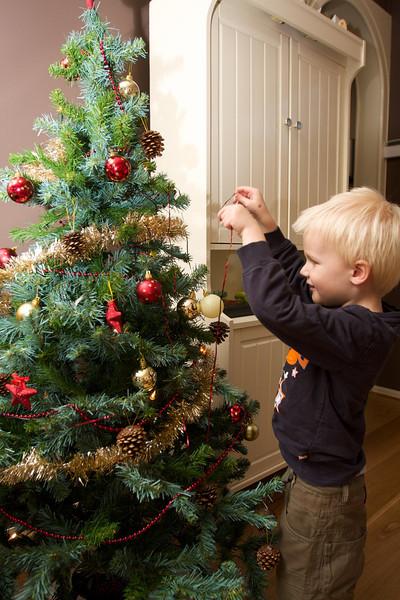 Kerstboom versieren.jpg