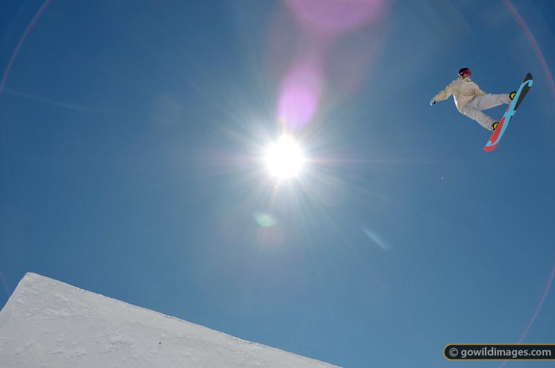 Big air at Falls Ck 2 September 2012. Snowboard: Forum
