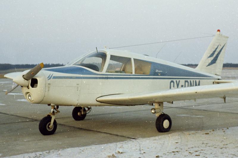 OY-DNM-PiperPA-28-140Cherokee-Private-EKBI-1971-N49-07-KBVPCollection.jpg