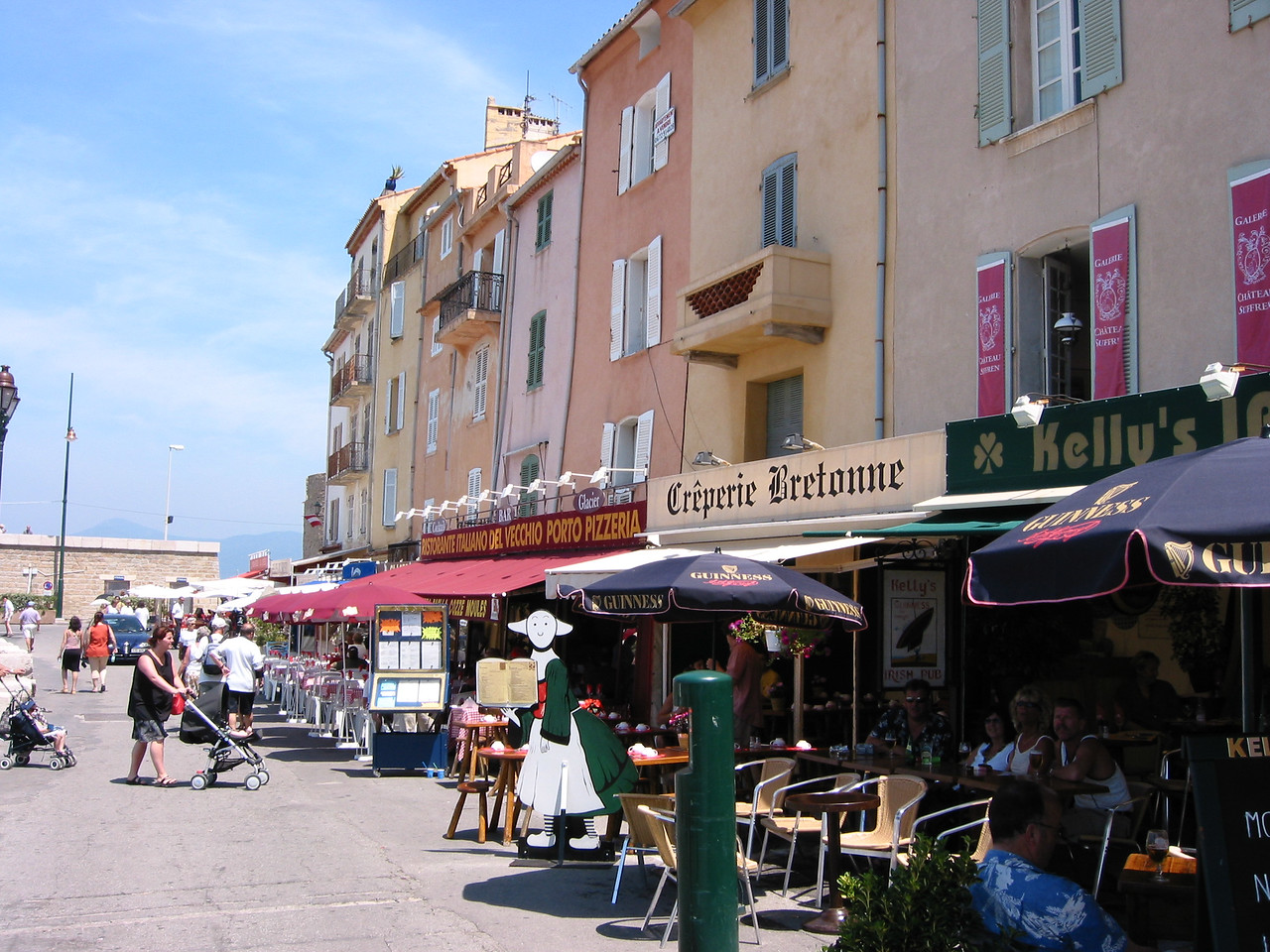 St Tropez. See that Crêperie Bretonne? I had this grill-pressed baguette with goat's cheese that I've been trying to relive ever since.
