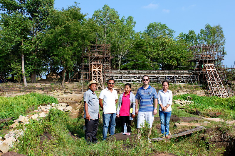 Some of the SA guide team checking out temple restoration on West Maebon