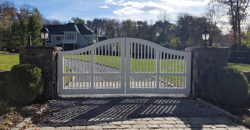 177 - 549144 - Waccabuc NY - Custom Gate