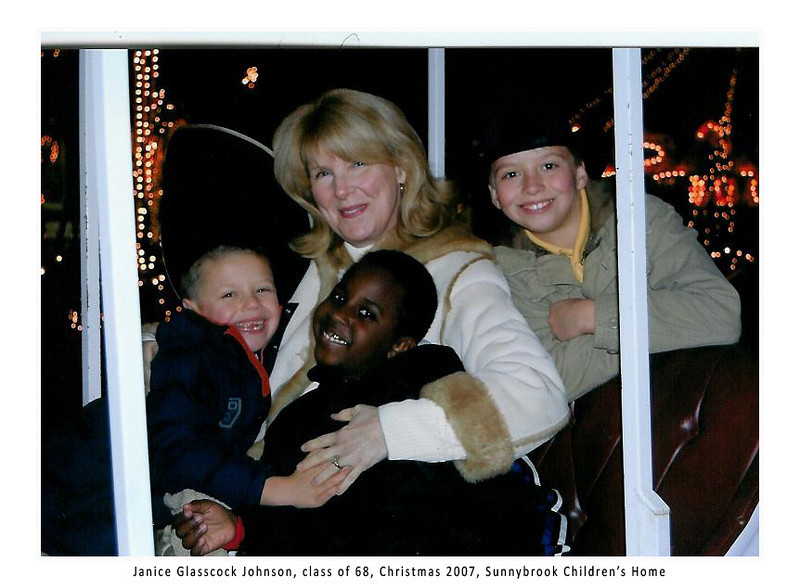 Janice Christmas 2007 at Sunnybrook Chidlren's Home 001.jpg