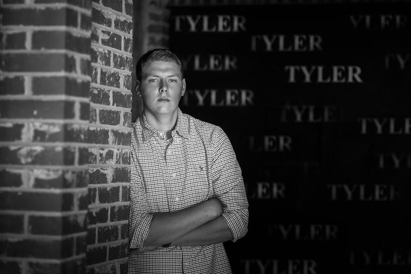 Senior Tyler A. 2017 (35).jpg
