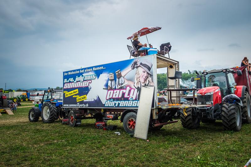 Tractor Pulling 2015 XE2-2578.jpg