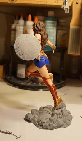 B vs S Wonder Woman