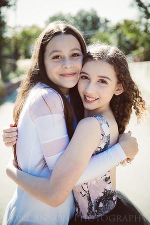 Ella & Livia