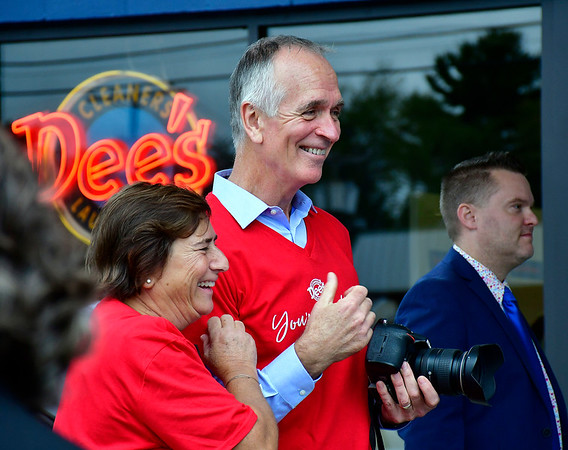 9/28/2018 Mike Orazzi | Staff Rob Mandino during the grand opening ceremony at Dee's Cleaners & Laundromat at 900 Farmington Avenue in Bristol Friday afternoon.