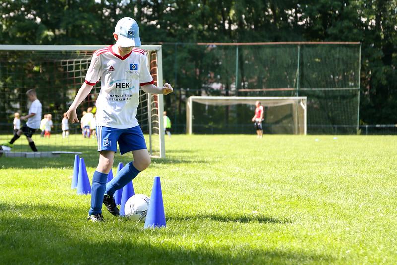 hsv_fussballschule-330_48047995328_o.jpg