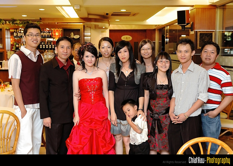 The dinner comes to an end... lets do a final group shot...