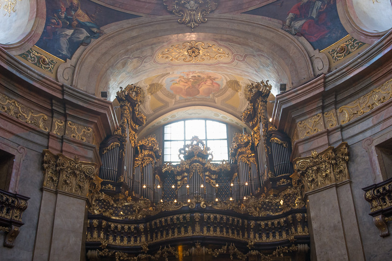 the organ at st peter's.