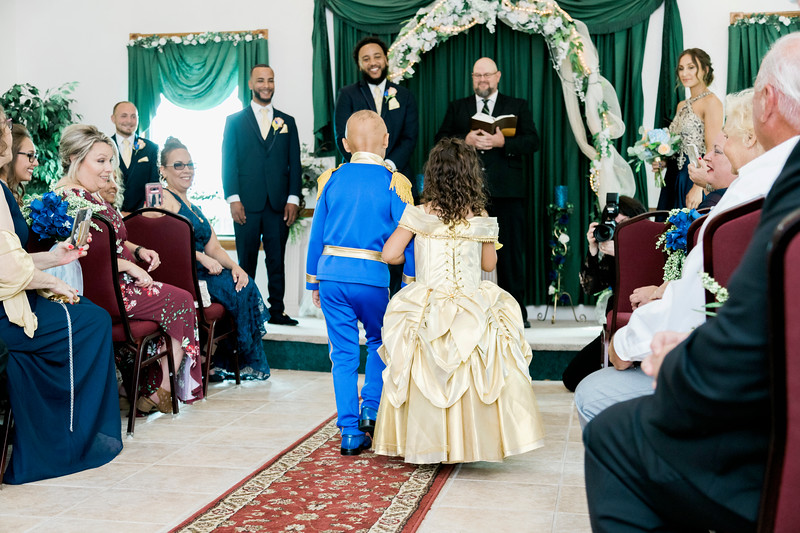 melissa-kendall-beauty-and-the-beast-wedding-2019-intrigue-photography-0109.jpg
