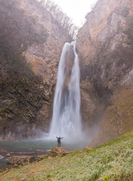 Bliha Waterfall (32).jpg