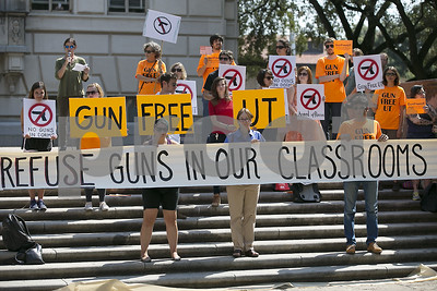 editorial-no-problems-associated-with-campus-carry-of-handguns