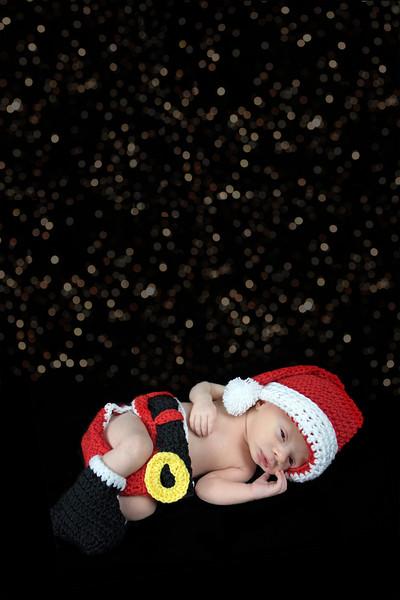 Brycen Santa sparkles 8A9A1761.jpg
