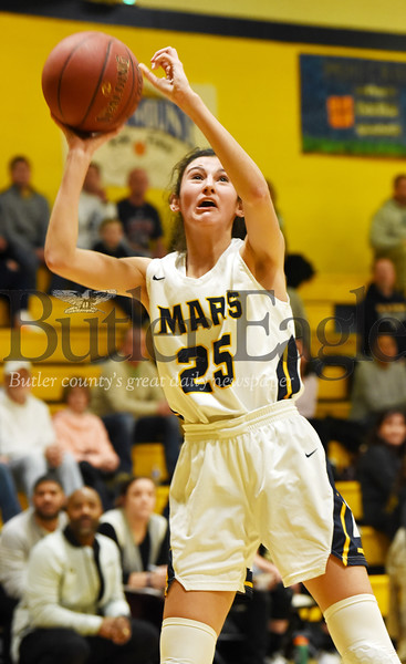 Harold Aughton/Butler Eagle: Mars Kaitlyn Pelaia, #25, attempts a shot against Gatewy Monday, January 20, 2020.