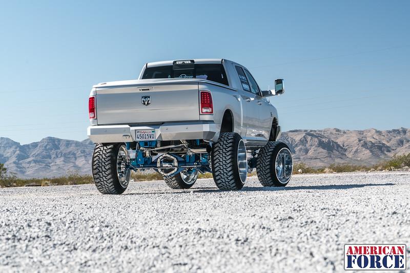 Ridin'-High-Silver-Dodge-Ram-161105-DSC02816-41.jpg
