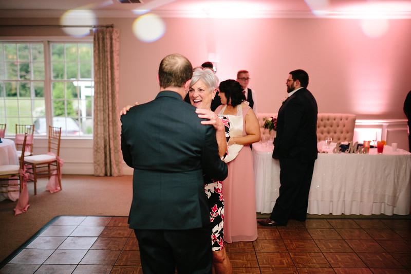 amie_and_adam_edgewood_golf_club_pa_wedding_image-1101.jpg