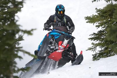 2015 Ultimate Snowmobiler