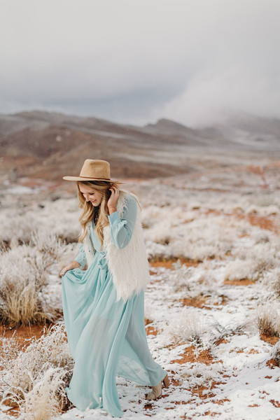 Natalie(snow)-15.jpg