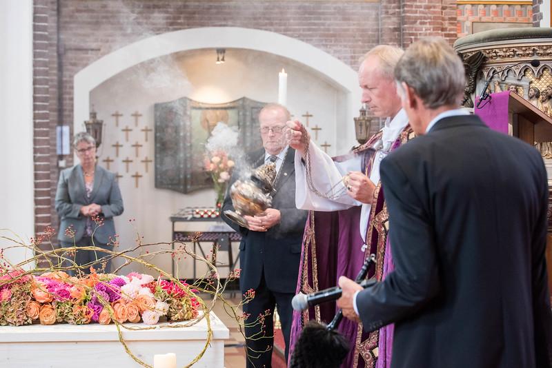 Wierook, een mooie traditie in de kerk.