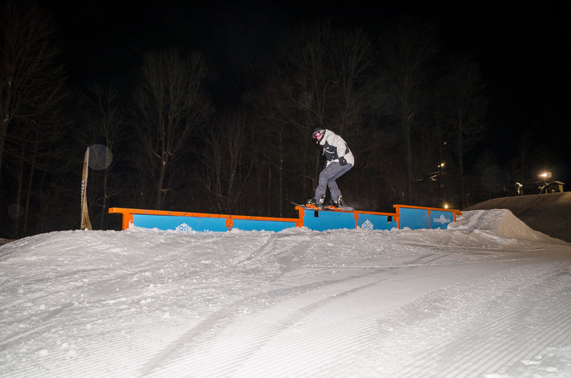 Nighttime-Rail-Jam_Snow-Trails-19.jpg