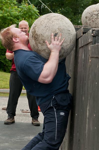 Fitness Revolution Strongman Challenge 2011_ERF4505.jpg