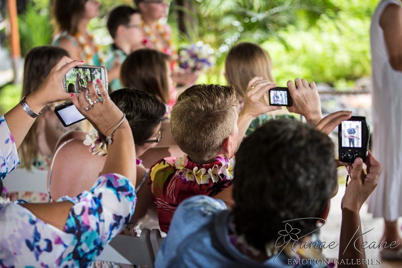 051__Hawaii_Destination_Wedding_Photographer_Ranae_Keane_www.EmotionGalleries.com__141018.jpg