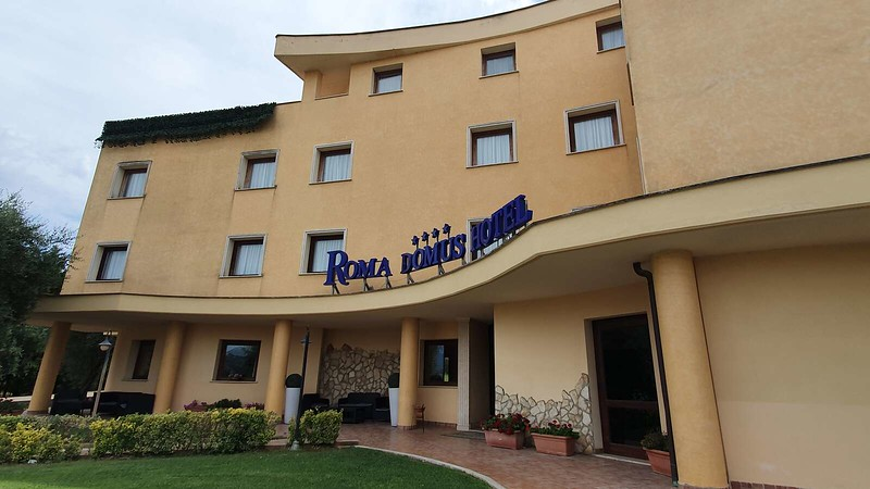 022 -  ROMA DOMUS HOTEL - EXTERIOR.jpg