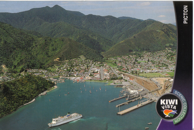 377_Picton, South Island terminus for Cook Strait Ferry, nestled on Queen Charlotte Sound.jpg