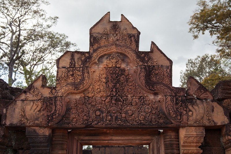 Carving in a doorway leading into the Banteay Srei complex.