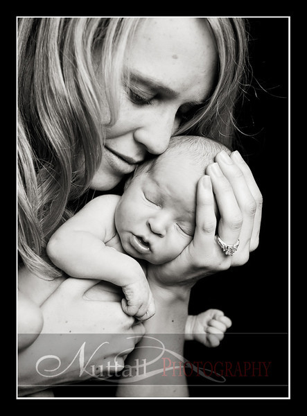 Clara Newborn 15.jpg