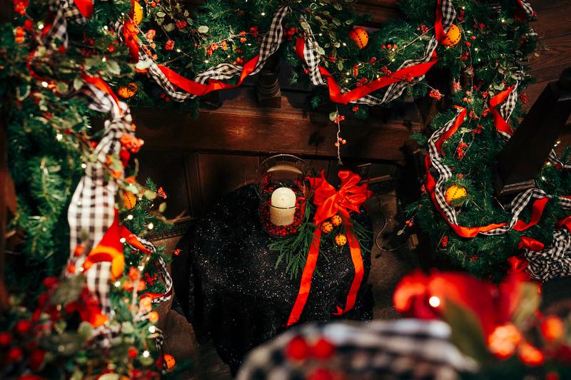 Mike Maney_Heritage Conservancy Christmas at Aldie 2018-30.jpg