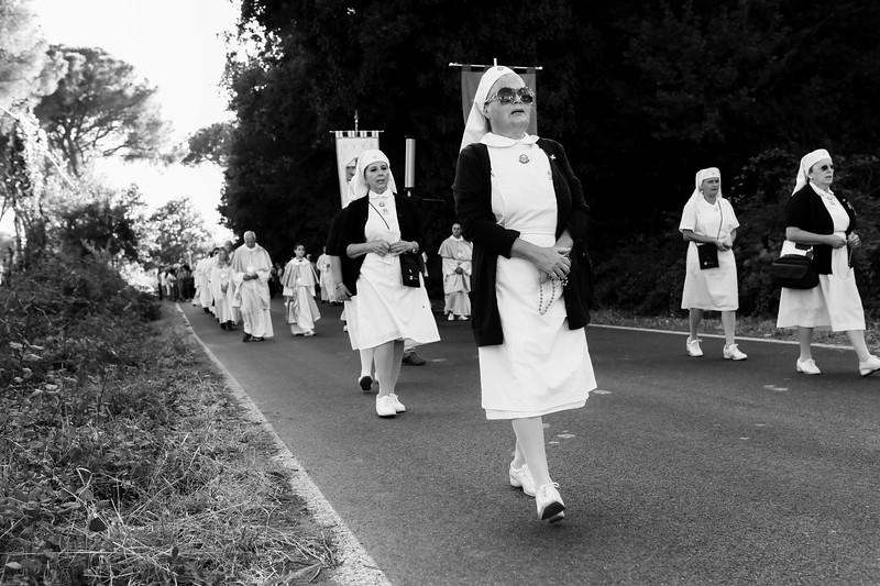 infermiere in processione