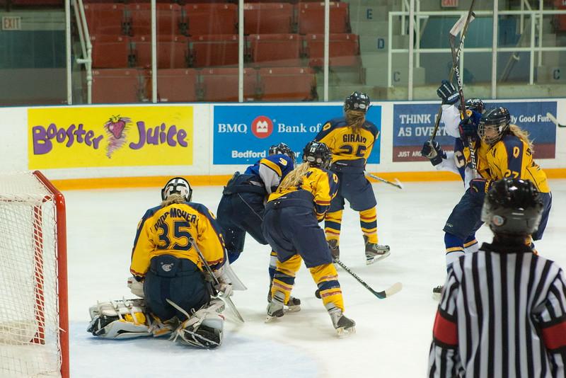 20130310 QWHockeyvsUBC 244.jpg