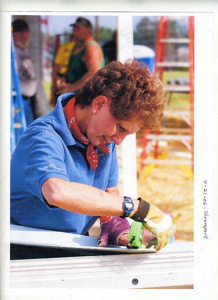 06 09-21  Recovering from hand surgery doesn't slow Linda down. ls 05 12  dw