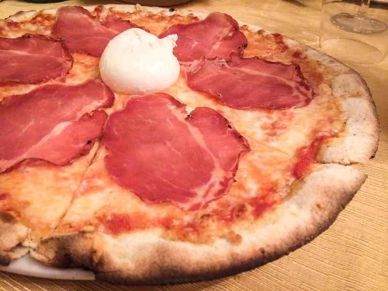sapori burrata pizza.jpg