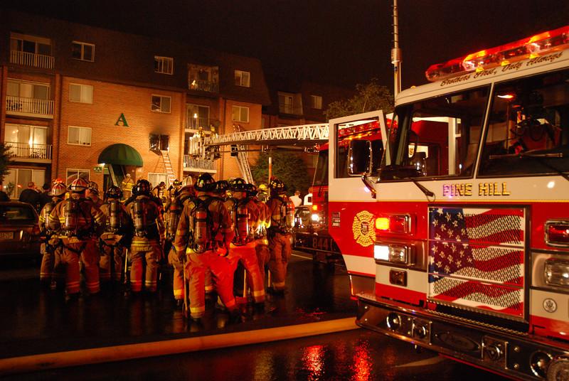 5-29-2009 (Camden County) GLOUCESTER TWP -501 Little Gloucester Rd. Apt A-17 - Apartment Fire - All Hands