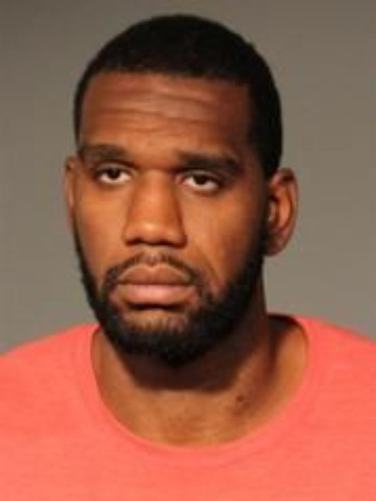". 6. GREG ODEN <p>Thanks to his fist, his ex�s face is almost as injured as he is. (unranked) </p><p><b><a href=""http://www.twincities.com/sports/ci_26292448/2007-top-nba-pick-oden-arrested-indianapolis\"" target=\""_blank\""> LINK </a></b> </p><p>   (Associated Press)</p>"