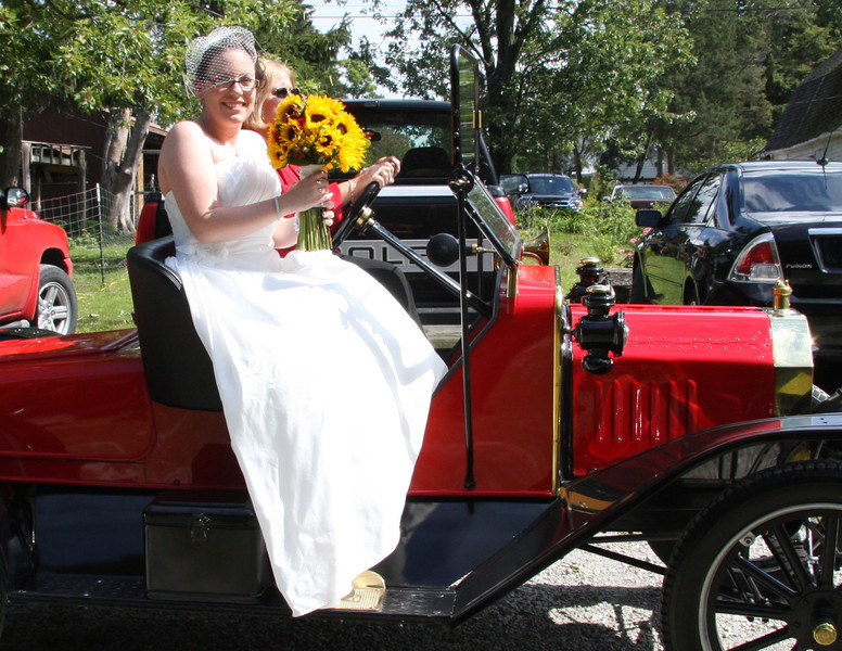 Arriving at the Wedding (8).JPG