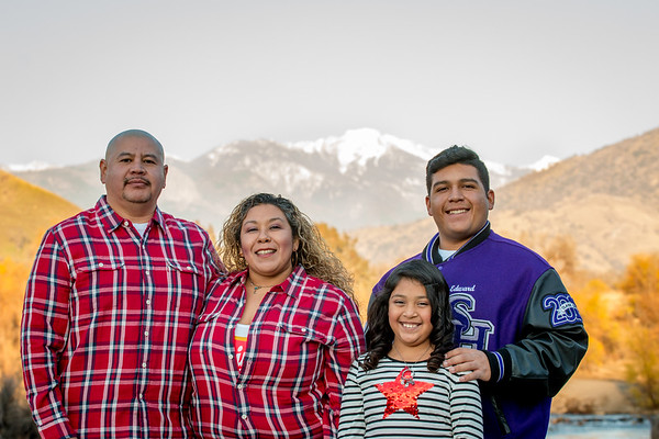 Cardona Bolanos Senior + Family Session