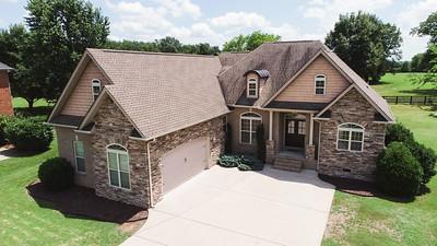 4220 Thoroughbred Ln Murfreesboro TN 37127