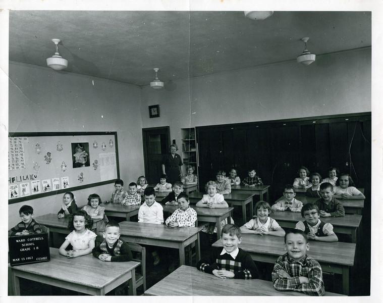 1950s Butch's 1st grade class.jpeg