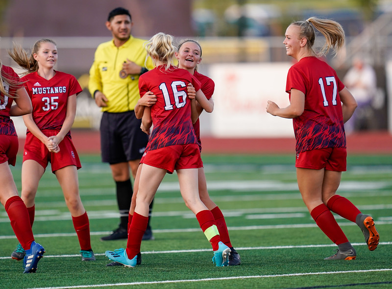 CCHS-vsoccer-pineview1561.jpg
